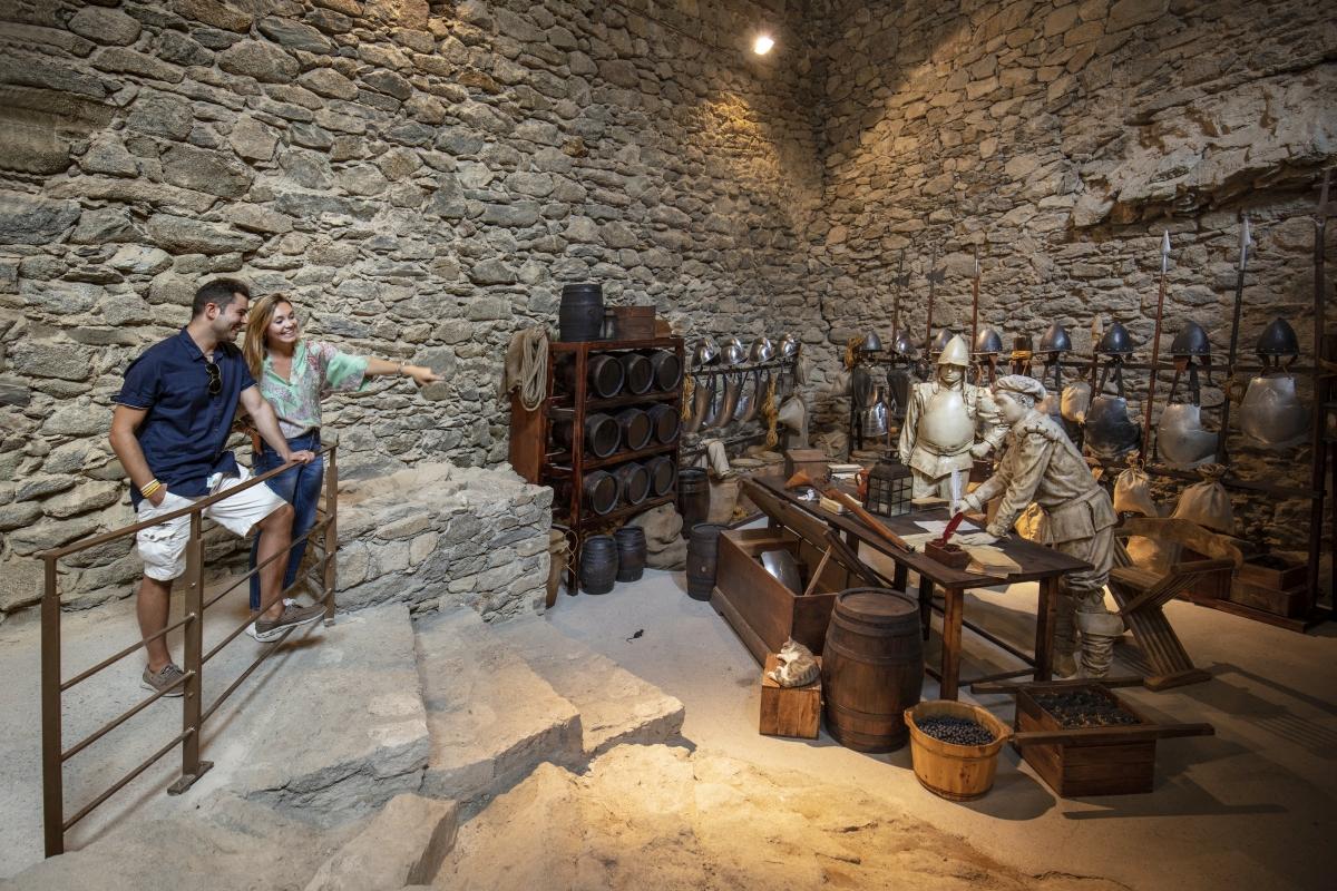 Museos - Castell de la Trinitat - Roses - Empordaturisme